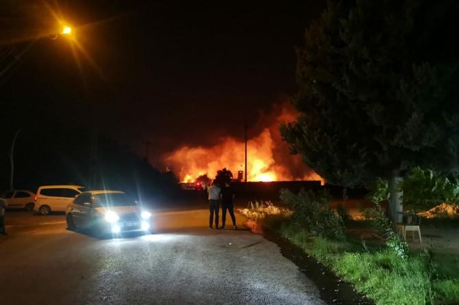 Nusaybin'de sınırda çıkan yangın paniğe neden oldu