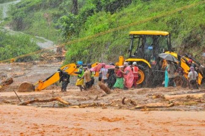 Li Hindistanê di mehekê de ji ber lehîyên ku rabûn 270 kes mirin