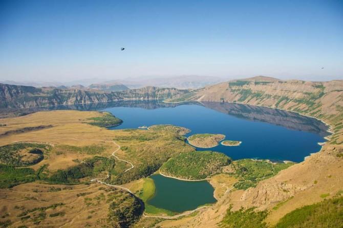 Bir doğa harikası Nemrut Krater Gölü