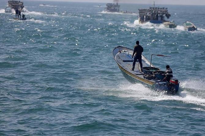 Siyonistler Filistinli balıkçı teknelerine ağır silahlarla ateş açtı