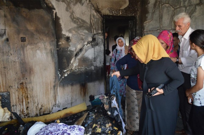 Siirt'te evleri yanan ailenin dramı yürek burkuyor