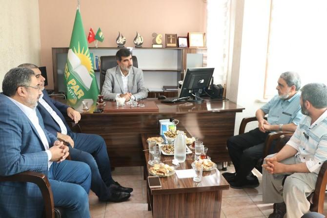 Ikhwan al-Muslimeen and Jemaah al-Islami pay condolence visit to HUDA PAR