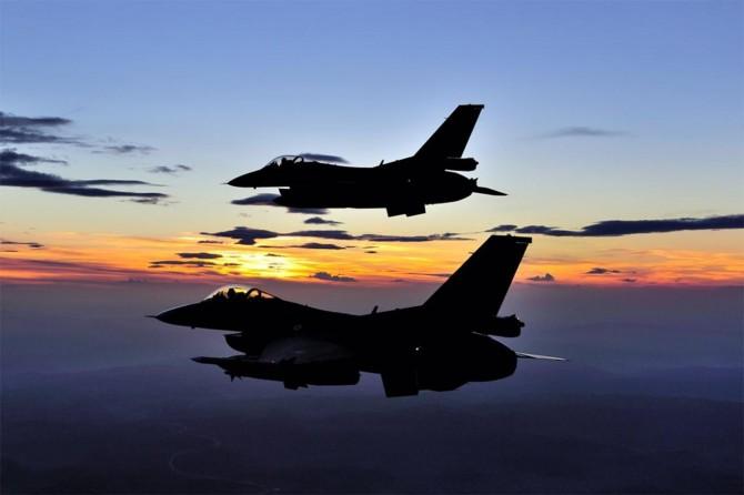 Metina bölgesine hava harekatı: 2 PKK'li öldürüldü