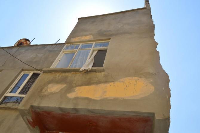 Siirt'te yıkımda evi kullanılamaz hale gelen vatandaştan HDP'li belediyeye tepki