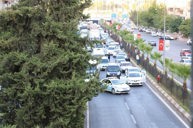 Şanlıurfa Eyyübiye'de patlayıcı madde bulunan paket imha edildi