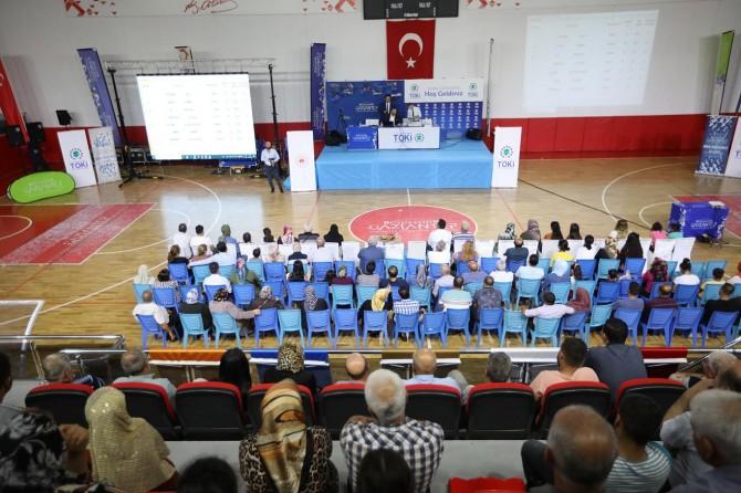 Gaziantep'te 965 konut hak sahiplerini buldu