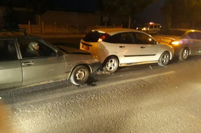 Elazığ merkezde zincirleme trafik kazasında 7 araç birbirine girdi