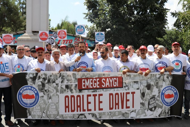 """Bingöl'de """"Emeğe Saygı Adalete Davet"""" adıyla basın açıklaması"""