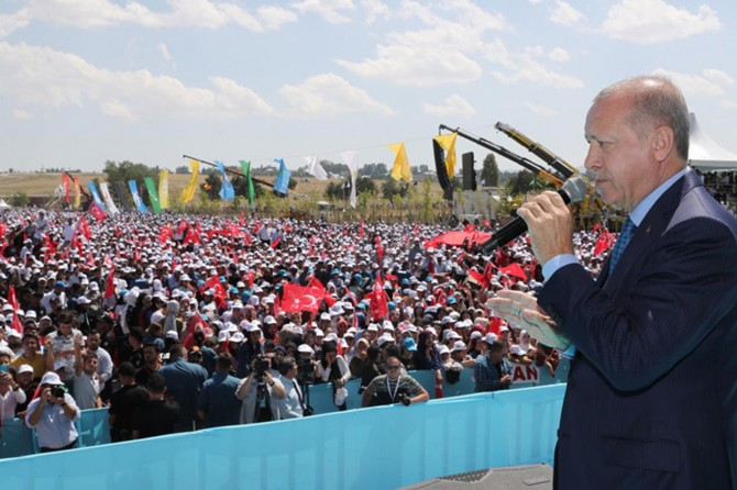 Cumhurbaşkanı Erdoğan: Kara birliklerimizin de bölgeye giriş yapmasını bekliyoruz