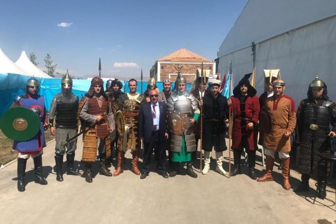 Batman Üniversitesi Malazgirt Zaferi etkinliklerine katıldı