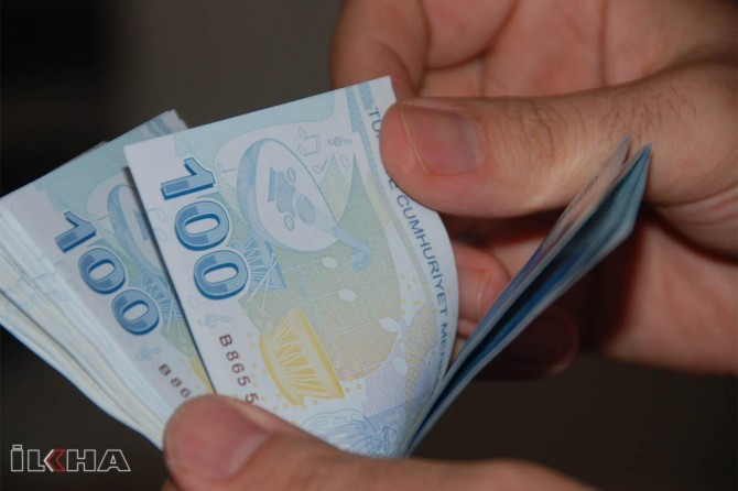 Wage increase announced for officers in Turkey