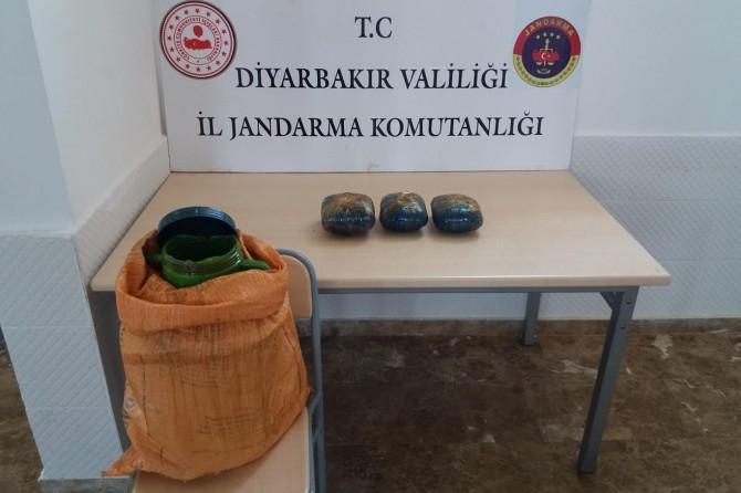 Diyarbakır Sur'da 5 kg esrar ele geçirildi