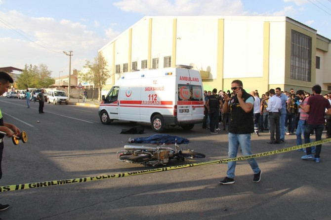 Gaziantep Şehitkâmil'de motosikletin çarptığı yaşlı kadın hayatını kaybetti