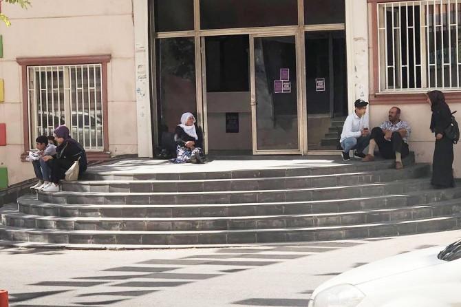 Diyarbakır'da bir anne daha HDP önünde eylem başlattı