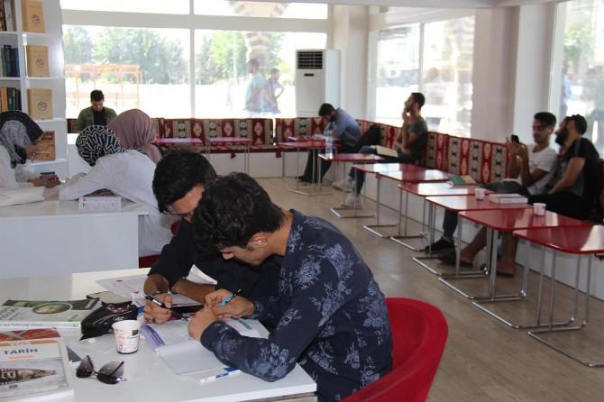 Diyarbakır'daki ilk millet kıraathanesi yeniden hizmete açıldı