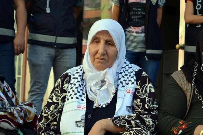 Mavi Marmara şehidinin ailesinden eylem yapan annelere destek