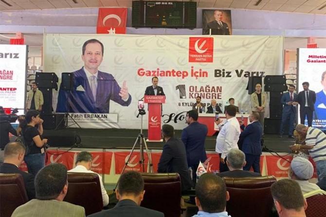 Fatih Erbakan kongrede iktidara yüklendi