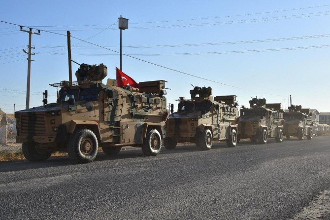 Turkey and US begin joint land patrol east of Euphrates