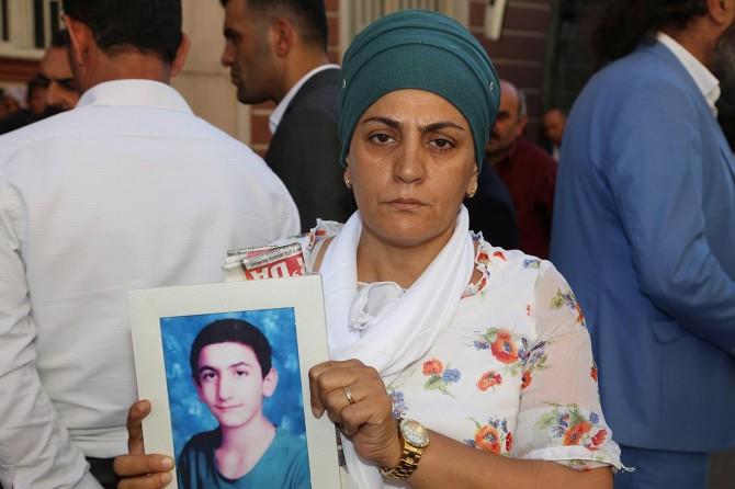Çocukları dağa kaçırılan annelerden PKK yöneticisine sert tepki
