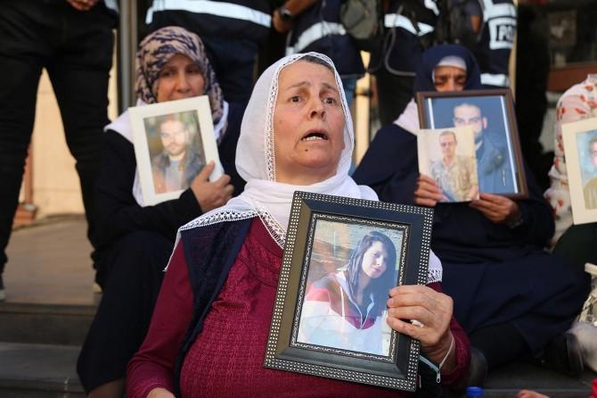 Diyarbakır'da eyleme katılan aile sayısı 24 oldu