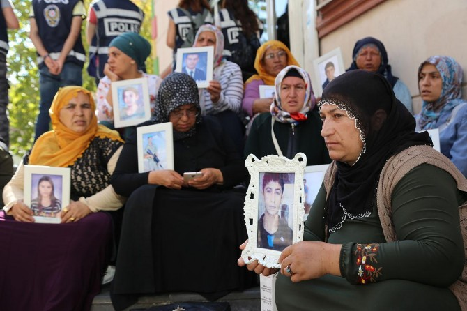 Families' sit-in protest continues on the 9th day
