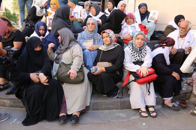 Diyarbakır'da STK temsilcilerinden annelere destek çağrısı