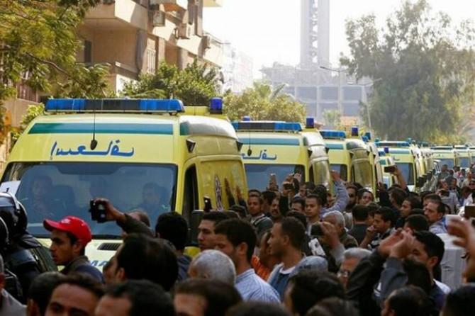 Mısır'da yolcu otobüsü köprüden uçtu: 10 ölü