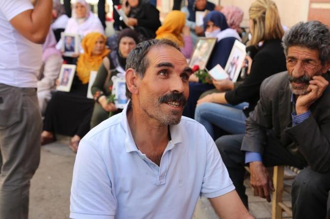 PKK'nin kaçırdığı oğlu için 5 yıl sonra yine eyleme başladı