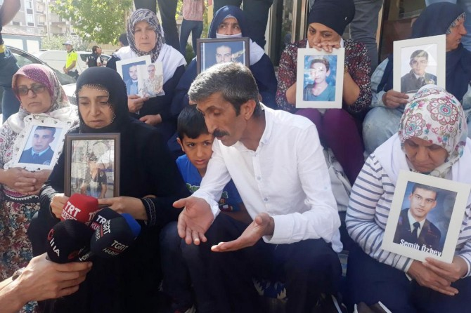 Families continue sit-in protest for their abducted children on the 11th day