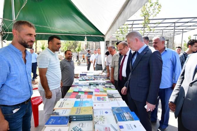 Nizip'te kitap okuma kampanyası başlatıldı