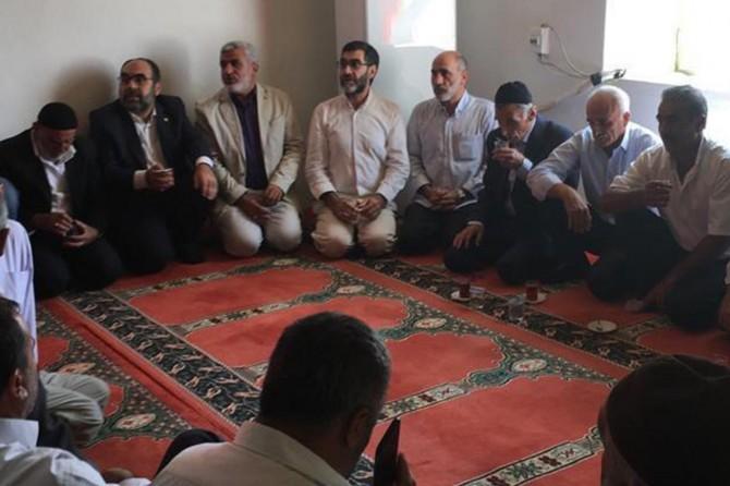 HÜDA PAR'dan PKK'nin katlettiği sivillerin ailelerine taziye ziyareti