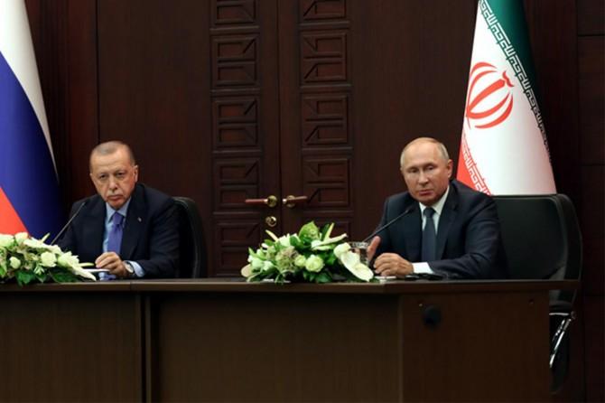 Putin: Üç garantör ülkenin katılımıyla Anayasa Komitesinin listesi onaylanmıştır