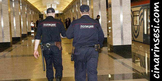 Moskova Metrosu'nda bir emniyet çalışanı meslektaşlarını vurdu
