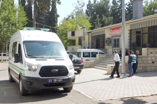 Gaziantep'te bıçaklanan damat hayatını kaybetti, annesi ağır yaralı