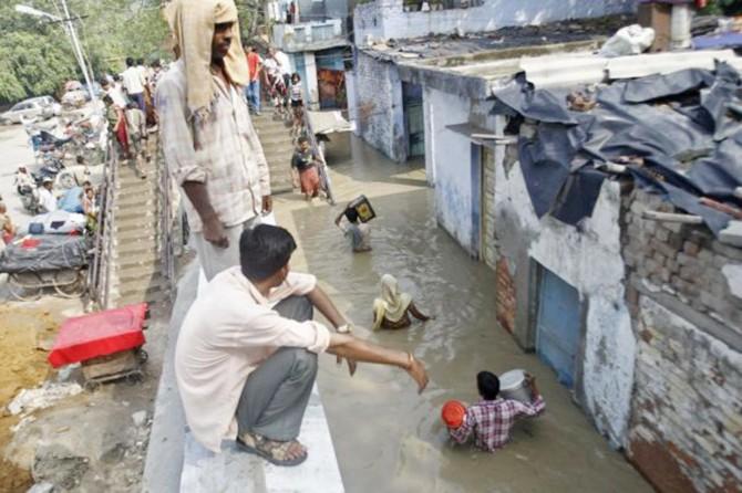 Hindistan'da sel felaketinde can kayıpları artıyor