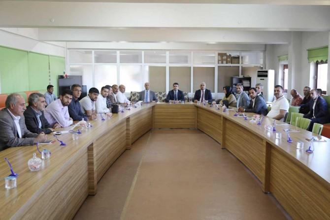 Bingöl Belediye Başkanı mahalle muhtarlarıyla bir araya geldi