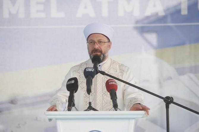 DİB Erbaş: Bizim medeniyetimizde, cami ile mektep hep iç içe olmuştur