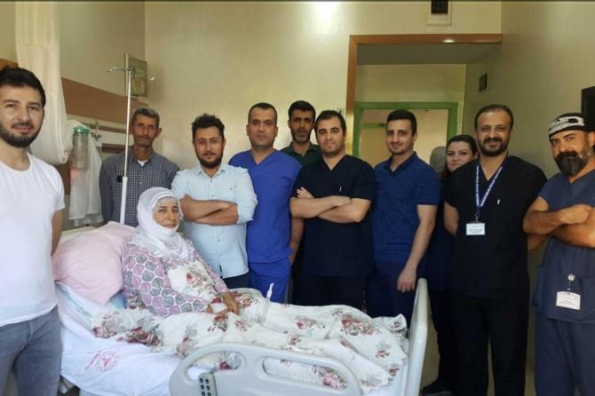 Hastanın kalbi bir saat durdurularak kalpteki tümör alındı