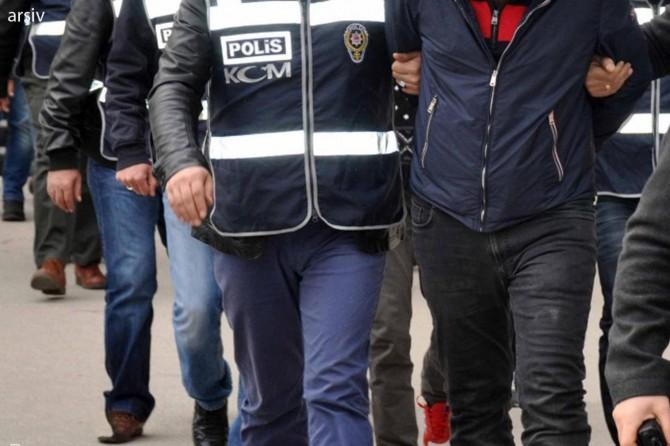İzmir merkezli 11 ilde FETÖ operasyonu