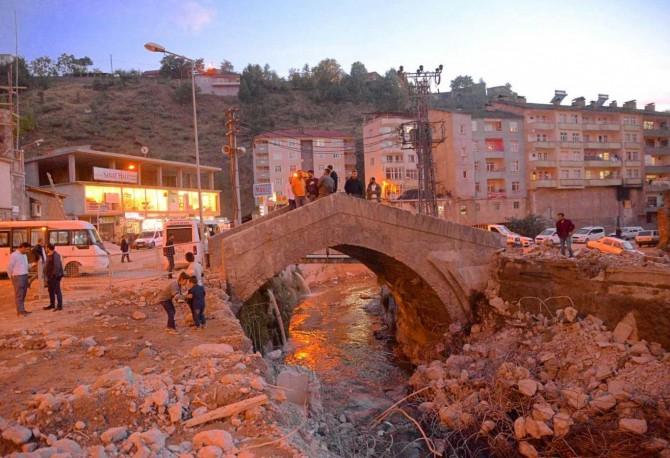 """""""Dere Üstü Islah Projesi"""" kapsamında tarihi köprüler gün yüzüne çıkıyor"""