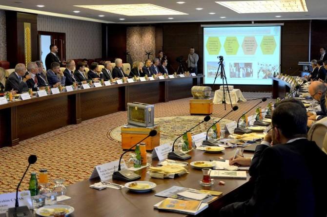 Bingöl Üniversitesinde pilot üniversite rektörlerinden tecrübe paylaşım toplantısı