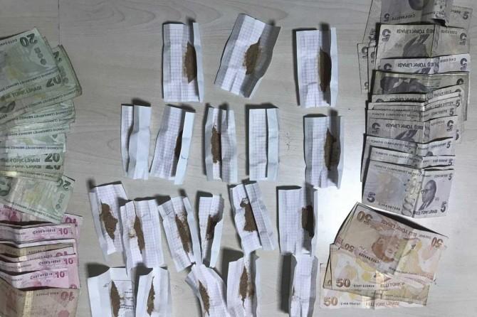 Gaziantep'te uyuşturucu ile yakalanan 2 şüpheli adliyeye sevk edildi
