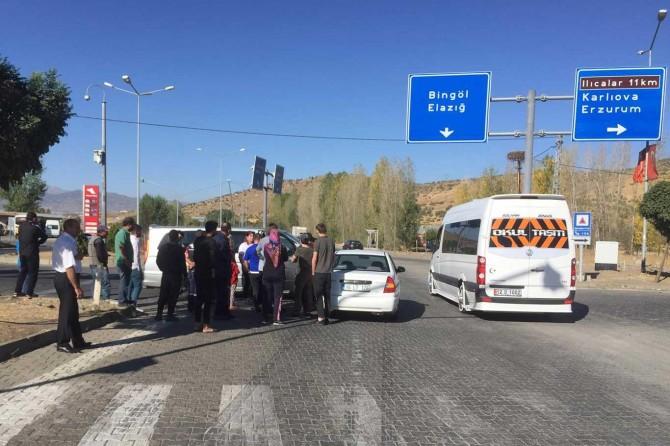 Trafik ışıklarının çalışmadığı kavşakta kazalar yaşanmaya devam ediyor