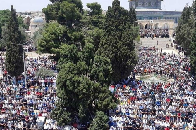 40 bin kişi Mescid-i Aksa'da cuma namazı kıldı