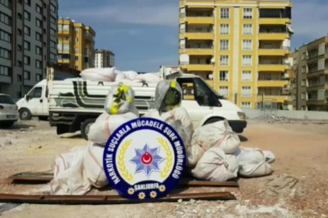 Talaş yüklü kamyonda 254 kilo esrar ele geçirildi