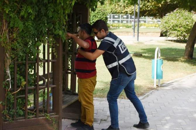 Adana'da fuhuş operasyonu: 54 gözaltı