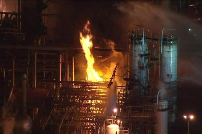 İran'ın en büyük petrol rafinesinde yangın