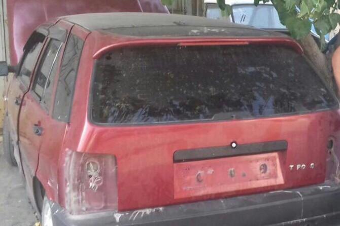 Gaziantep'te çaldıkları otomobili parçalamaya çalışan şahıslar yakalandı