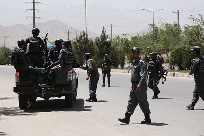 Taliban attacks checkpoint, kill 15 police officers
