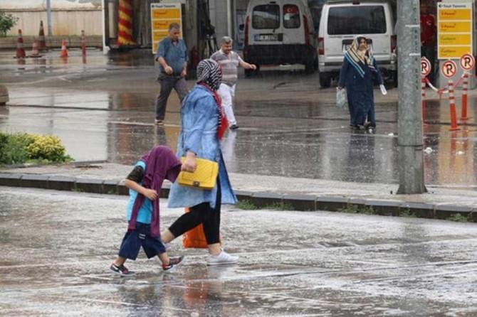 Gaziantep'te şiddetli yağış hazırlıksız yakaladı